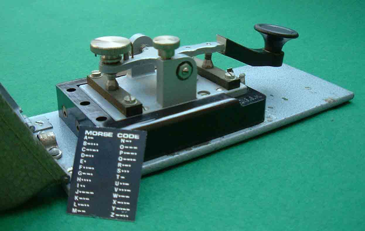 Deprez_Photo_Morse_key_rear_view.jpg