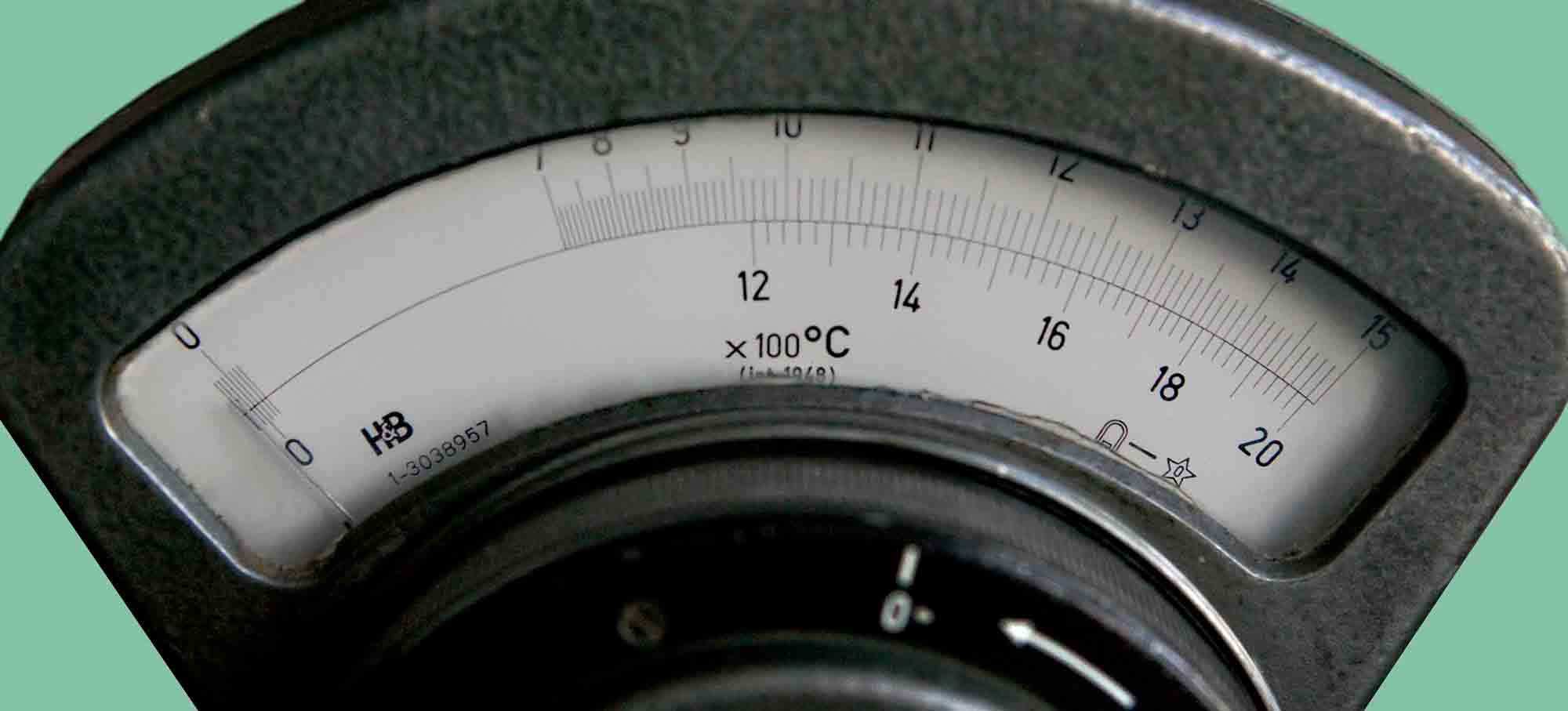 Deprez_Photo_Pyrometer_H&B_Dial_view.jpg